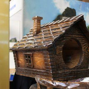 Домик в форме будки